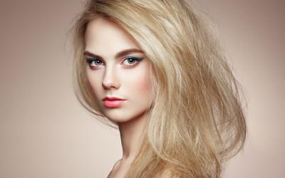 decoloración sobre cabello teñido